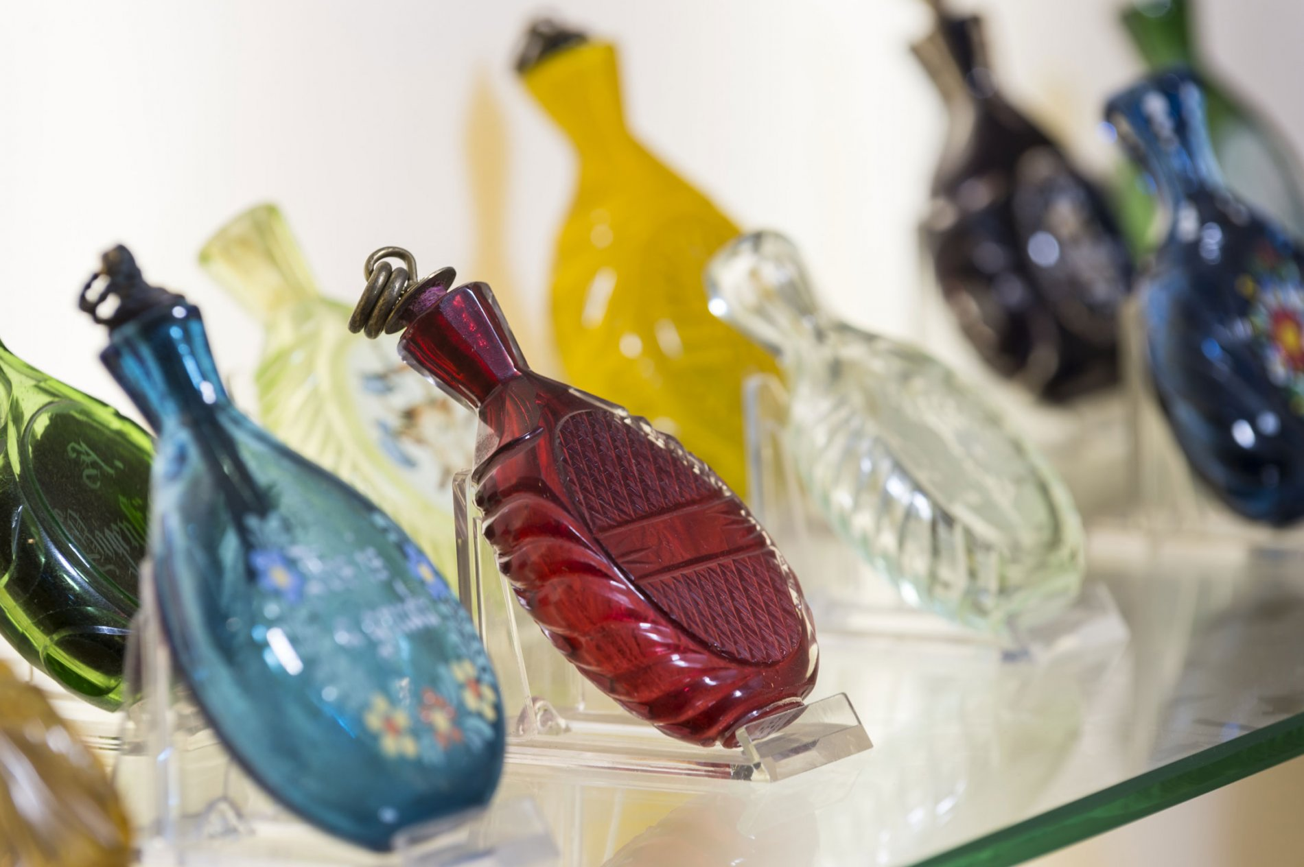 Schnupftabakgläser im Schnupftabakmuseum Grafenau