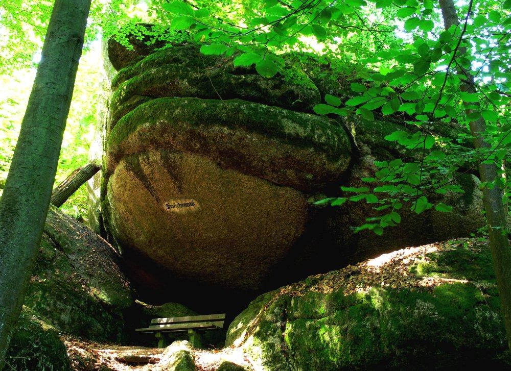 Steingebilde Froschmaul im Naturschutzgebiet Schlosspark Falkenstein