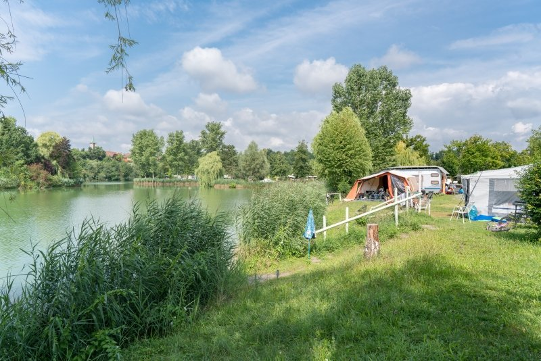 Camping am Hirschfeldsee - Sperrfechter Freizeitpark | HeilbronnerLand