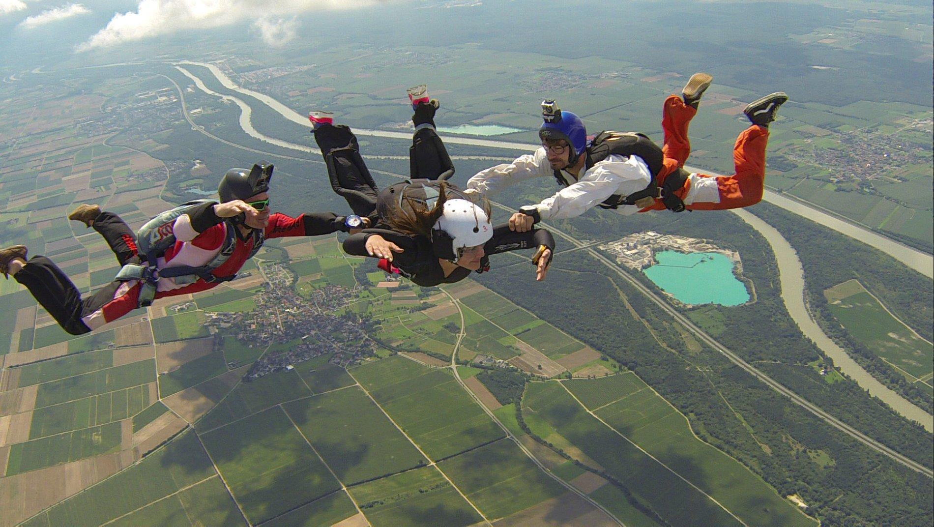 Fallschirmsprung mit der Air Academy