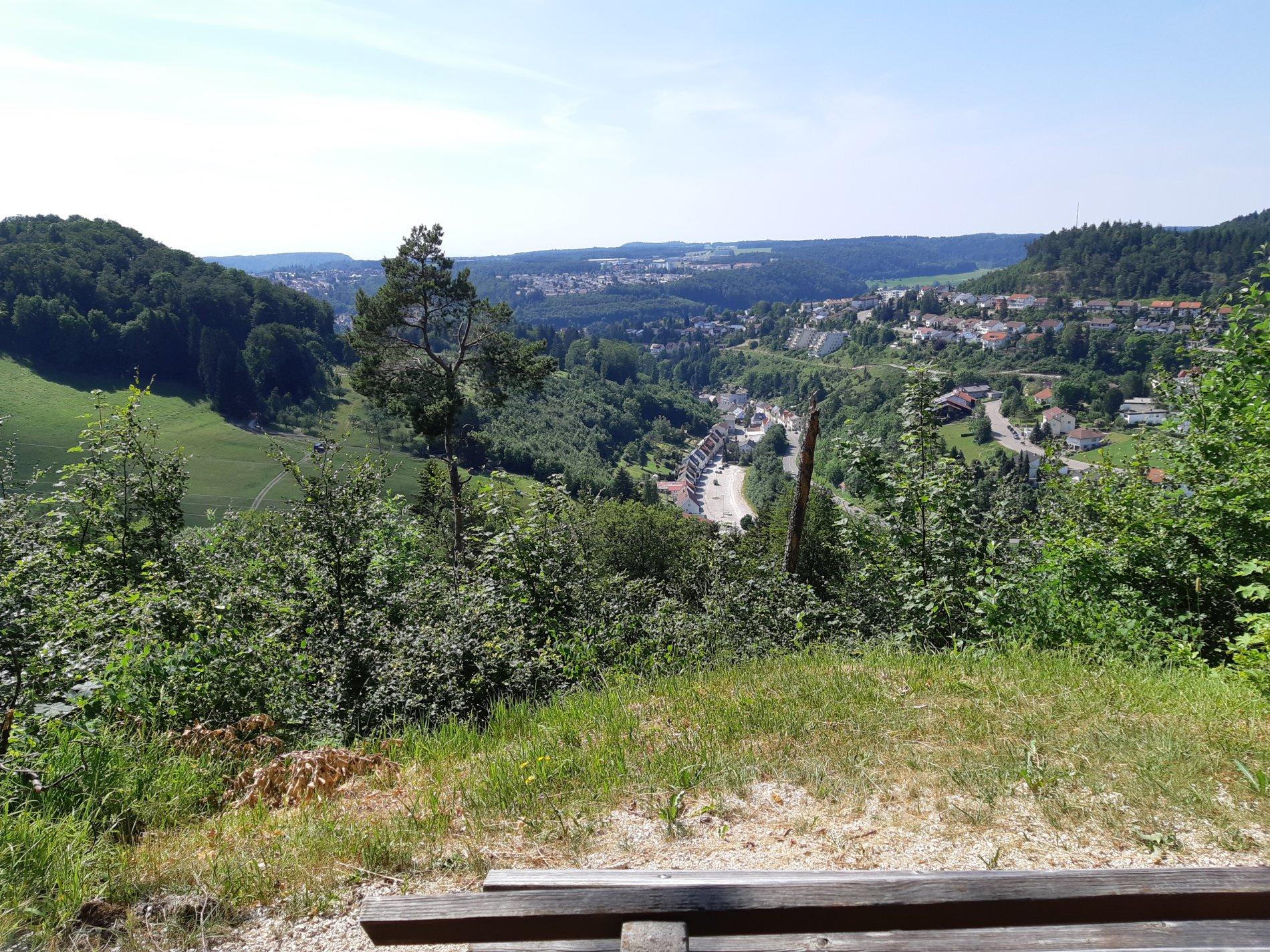 Ausblick vom Aussichtsfels Altes Schloss auf Albstadt-Tailfingen