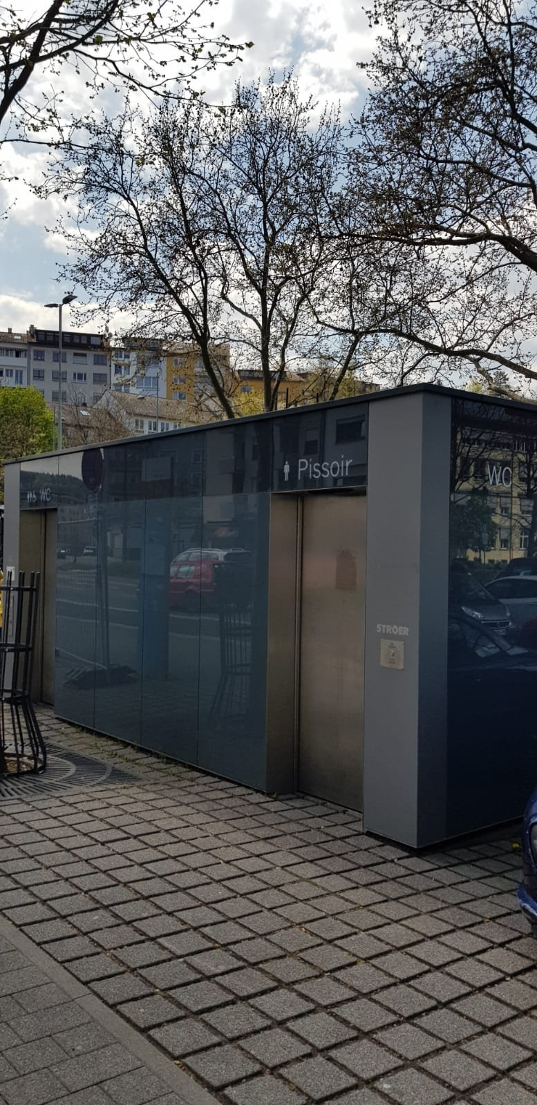 The public WC directly at Turnplatz