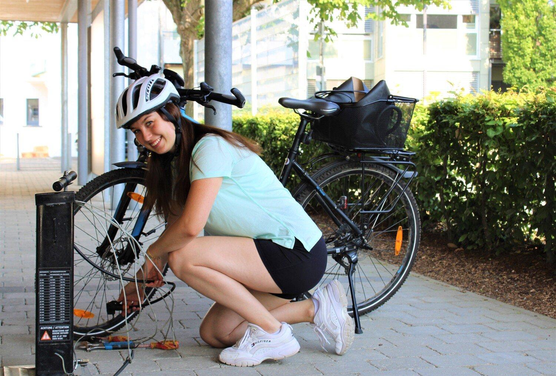 SB-Fahrradreparatur Station am Multifunktionsgebäude in Ludwigshafen