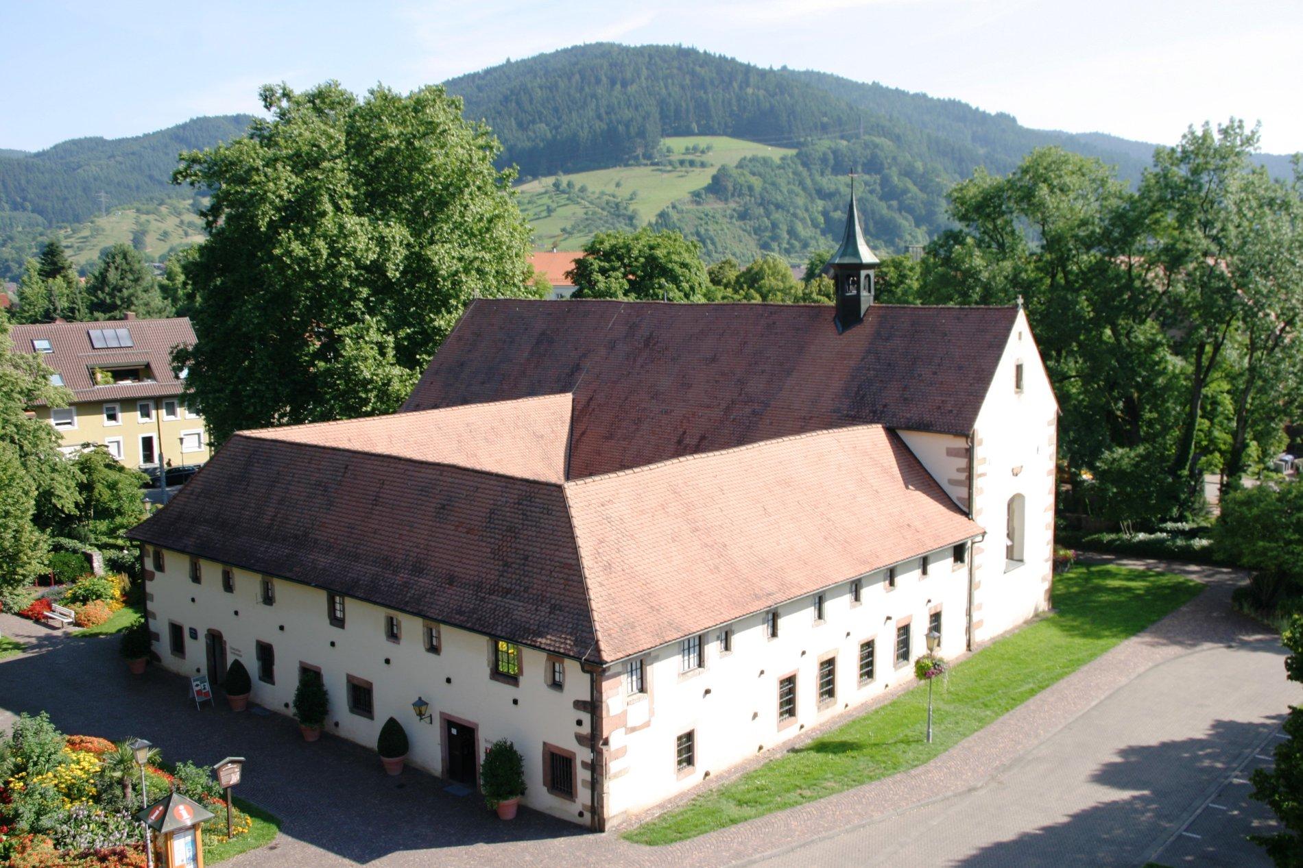 Die Touristinfo Haslach befindet sich im alten Kapizinerkloster in Haslach