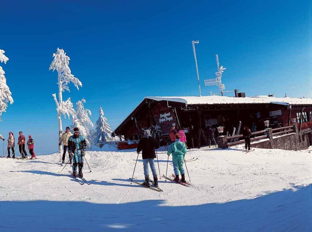 Wintertraum für Skifahrer beim Berghaus Hohenbogen