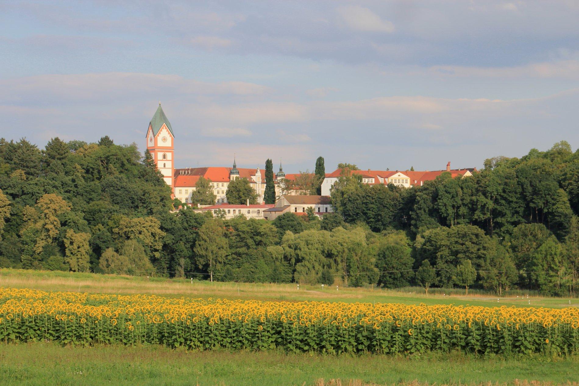 Blick auf das Kloster Scheyern