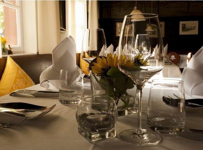Restaurant Künstlerkneipe gedeckter Tisch