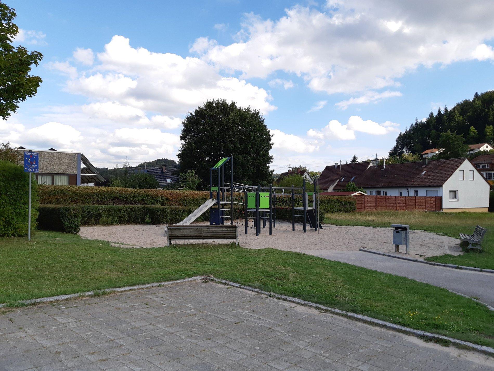 Spielplatz an der Tennishalle - Viel Spaß beim Spielen!