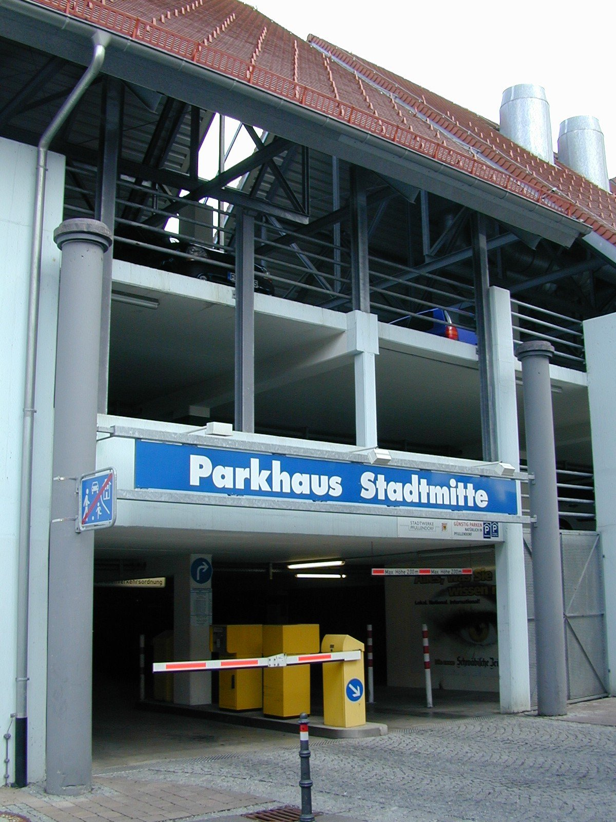 Eingang Parkhaus Stadtmitte