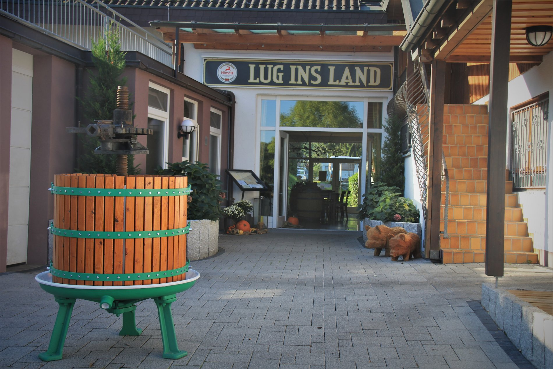 Eingang zum Restaurant Lug ins Land