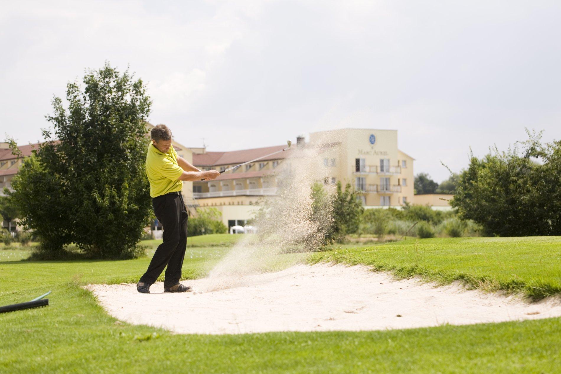 Aktiv im DORINT MARC AUREL Spa & Golf Resort