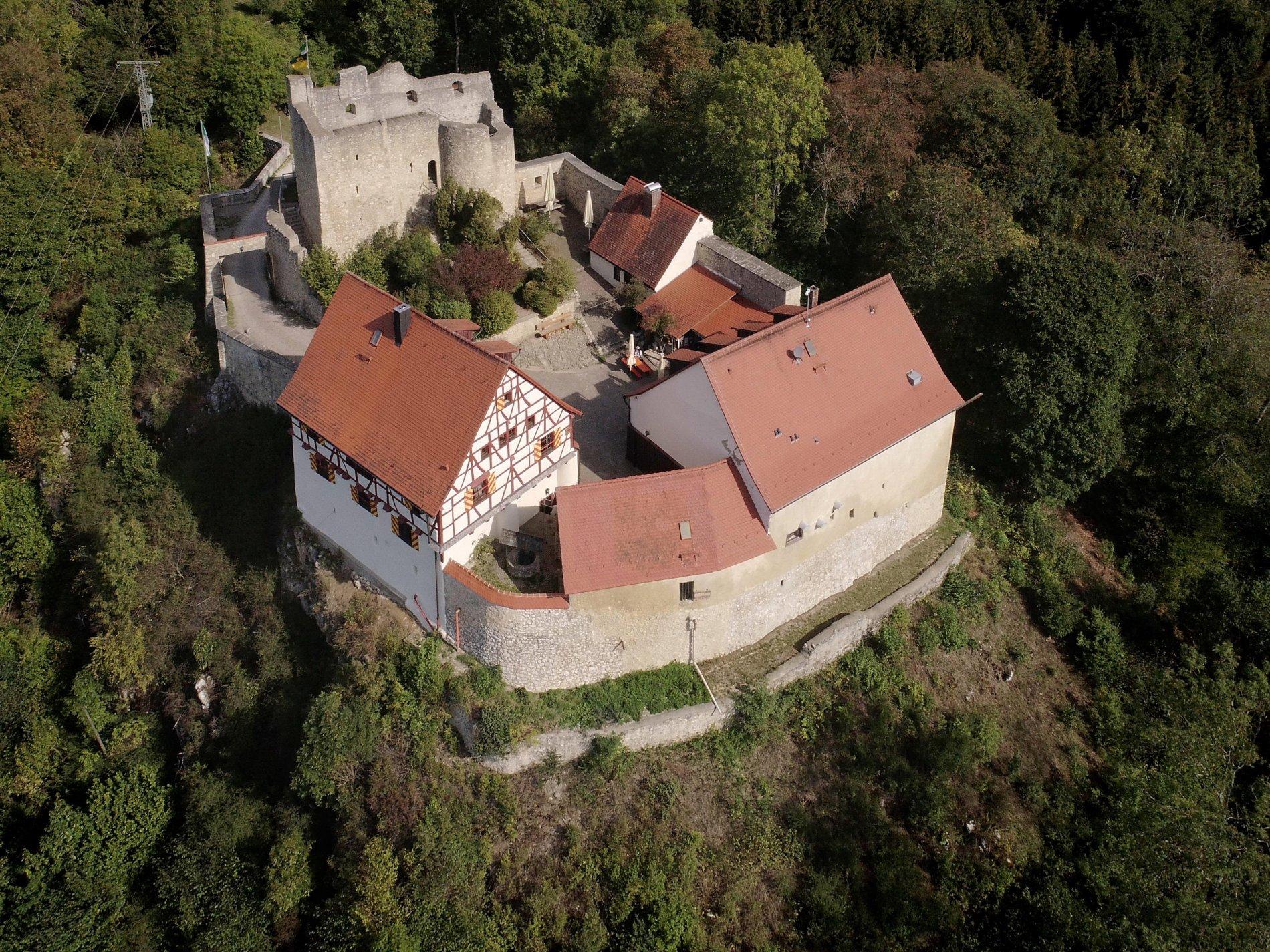 Burg Derneck Luftaufnahme