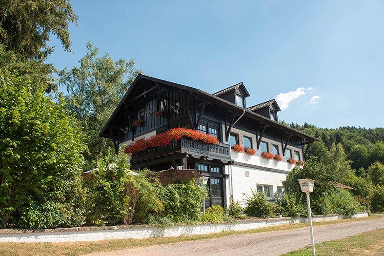 Hubertushof Born Niederwürzbach - Außenansicht