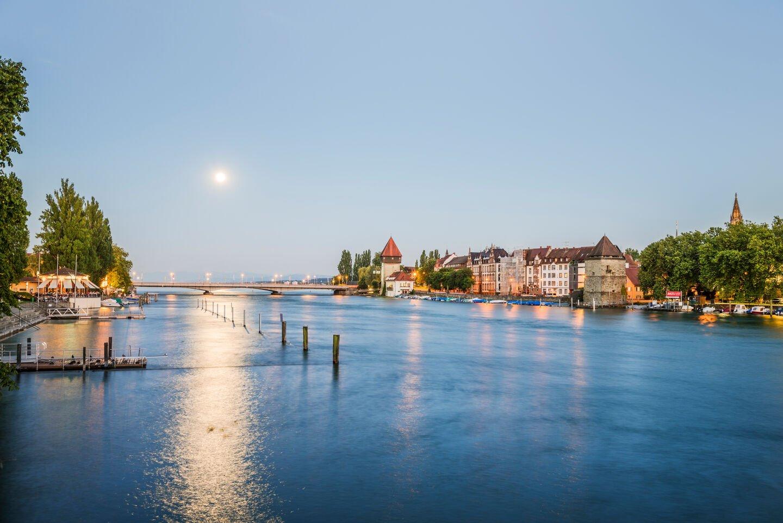 Pulverturm und Rhein auf einen Blick