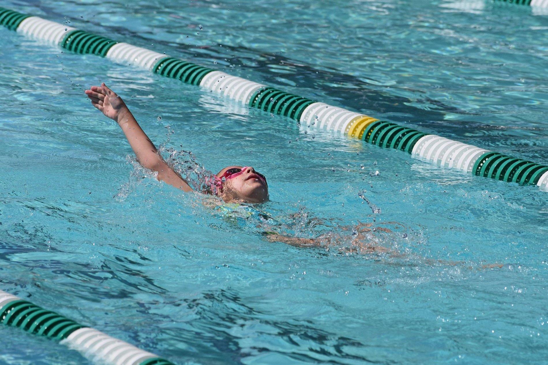 Schwimmen im Hallenbad Mainburg