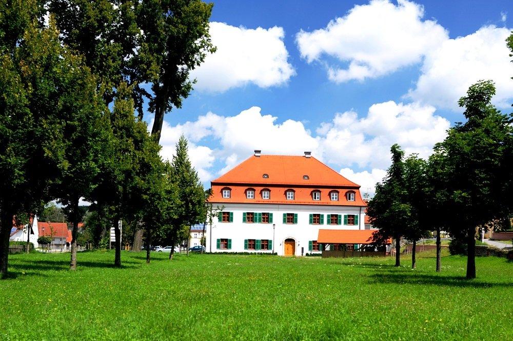 Hofmarkschloss Mauern mit Hofgarten