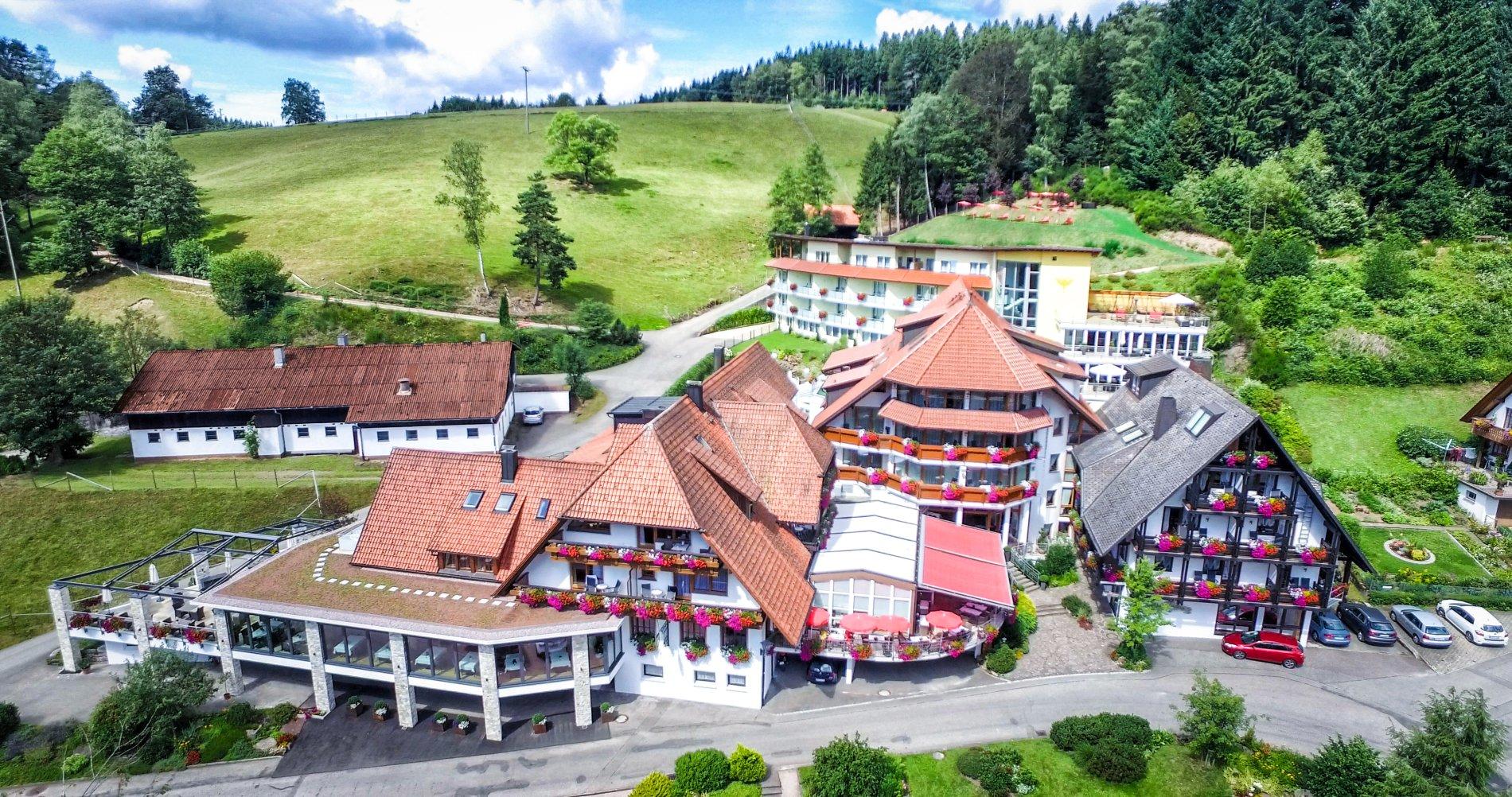 Naturparkhotel Adler - Hotelansicht