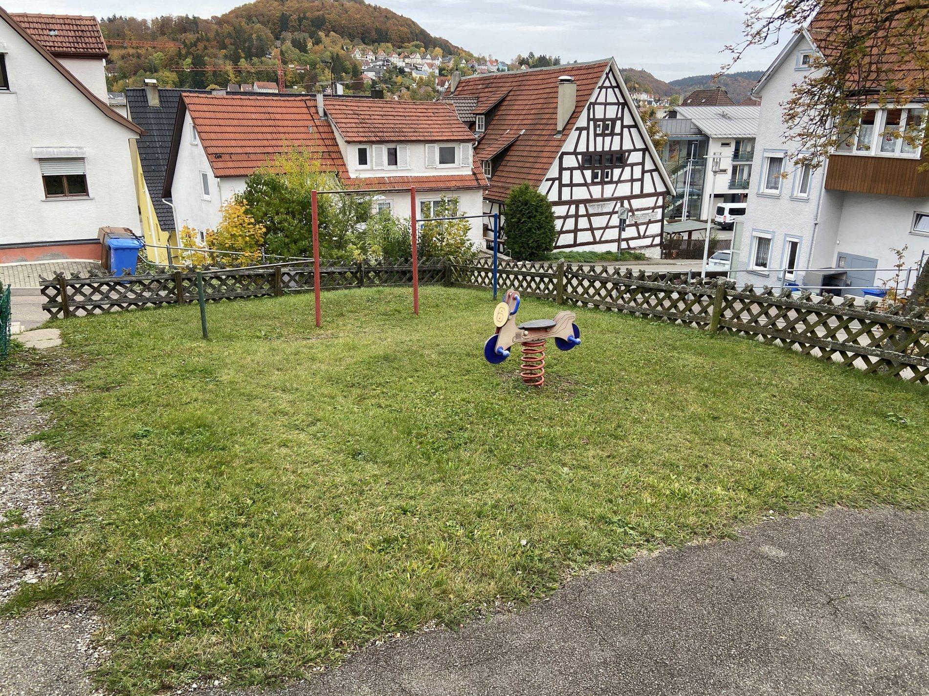 Spielplatz Kapfstraße-Tolle Spielgeräte!