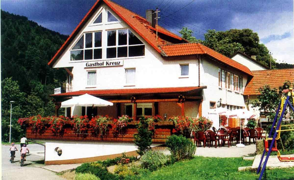 Aussenansicht vom Gasthof Kreuz Halbmeil - Wolfach