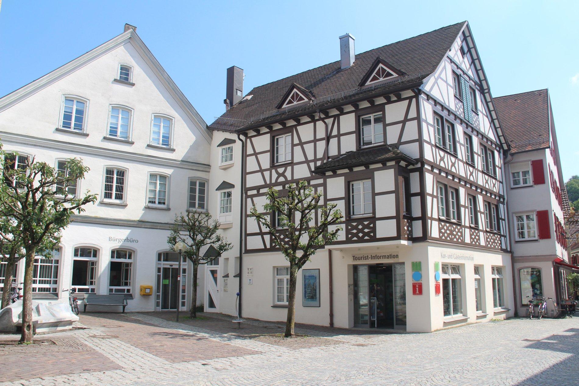 Die Tourist-Information befindet sich in der historischen Altstadt