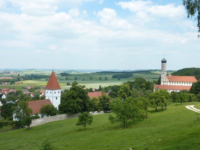 Panoramablick auf Mönchsdeggingen