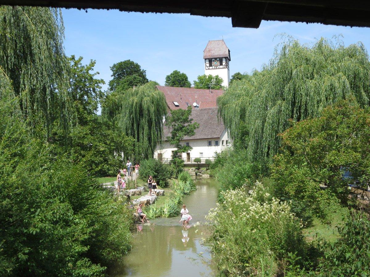 Schlichem mit Aussicht auf den Kirchturm, Dautmergen