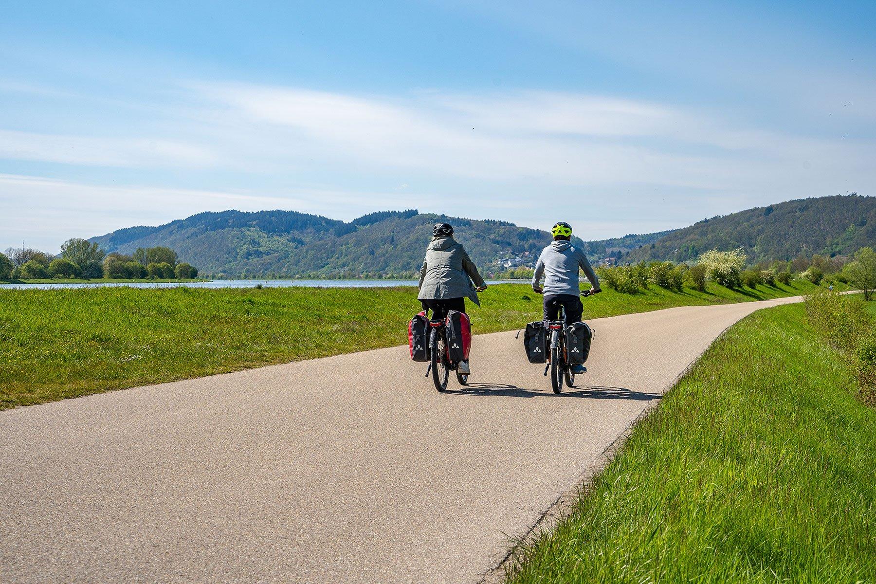 Radfahrer an der Donau