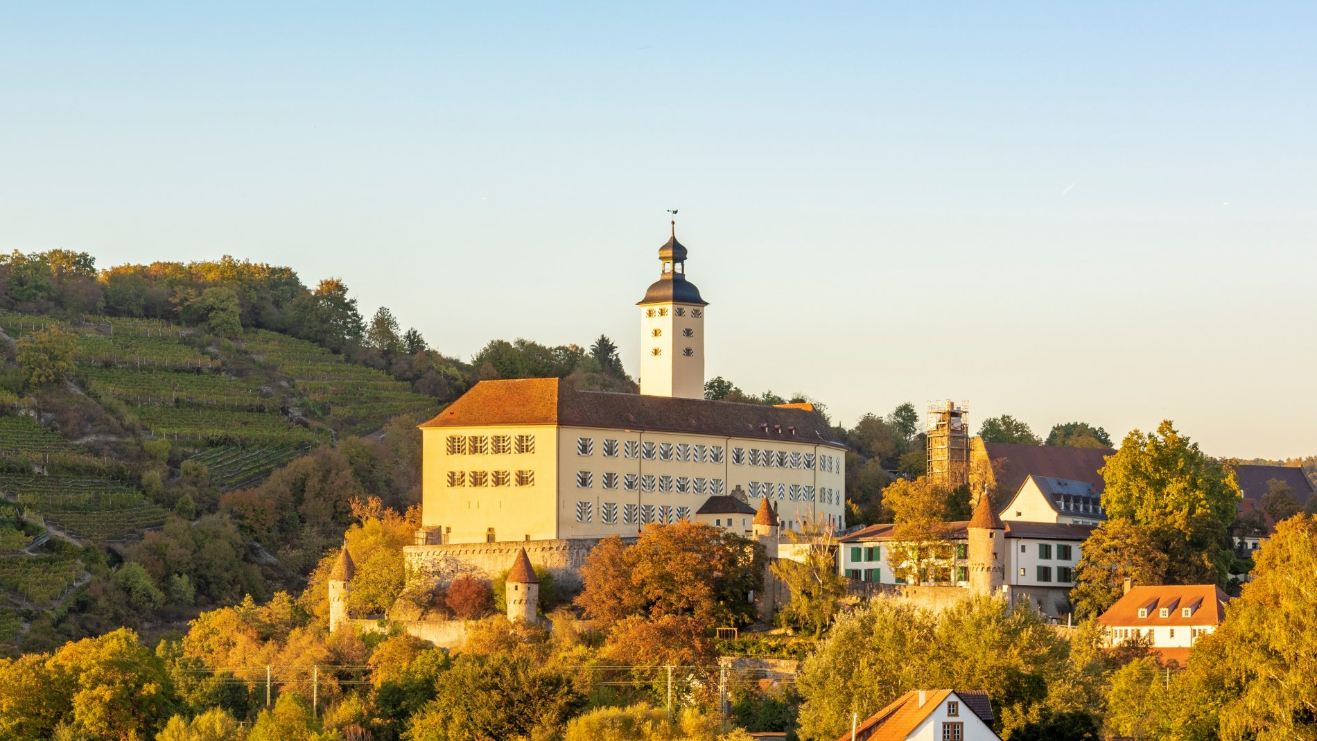 Schloss Horneck Außenansicht   Gundelsheim   HeilbronnerLand