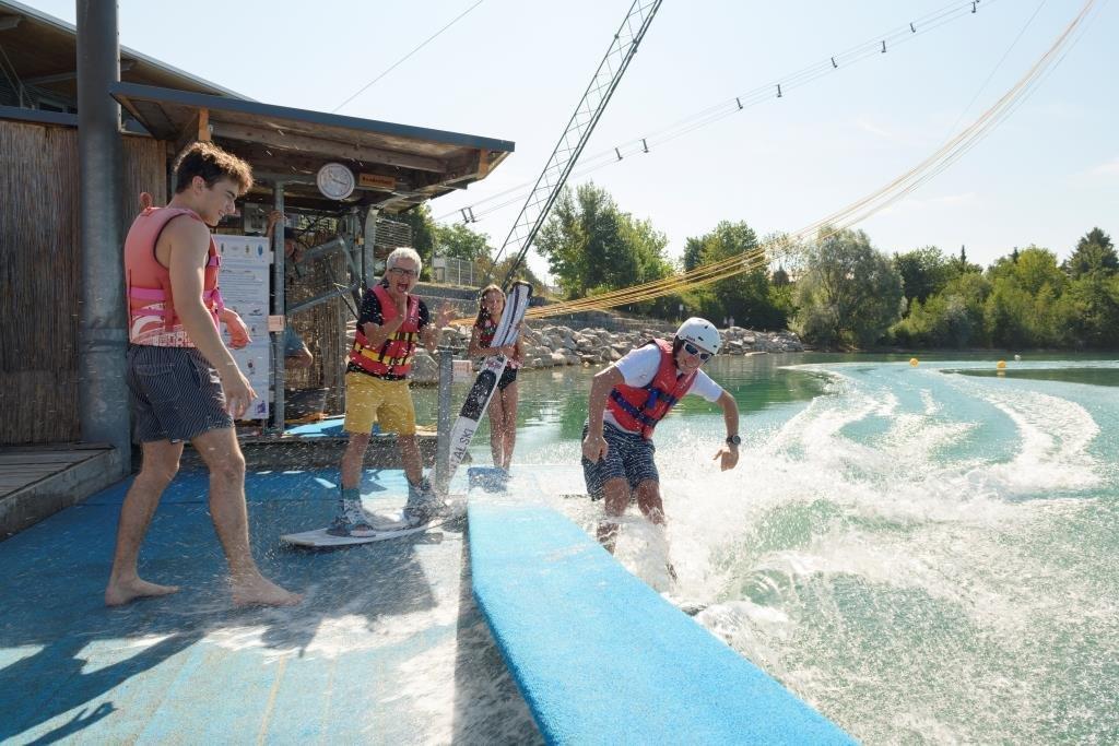 Spaß beim Wasserskifahren