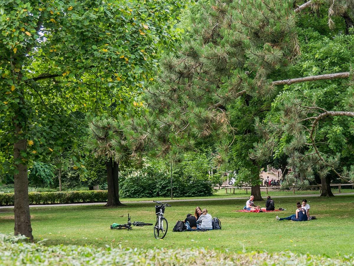 Der Alte Botanische Garten ist die grüne Oase in der Altstadt.