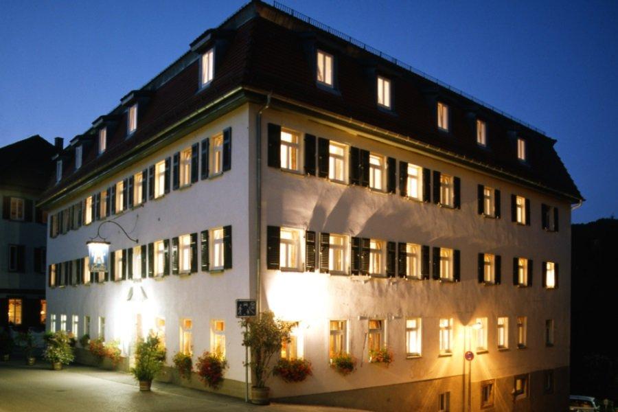 Hotel Kronprinz Schwäbisch Hall Außenansicht bei Nacht