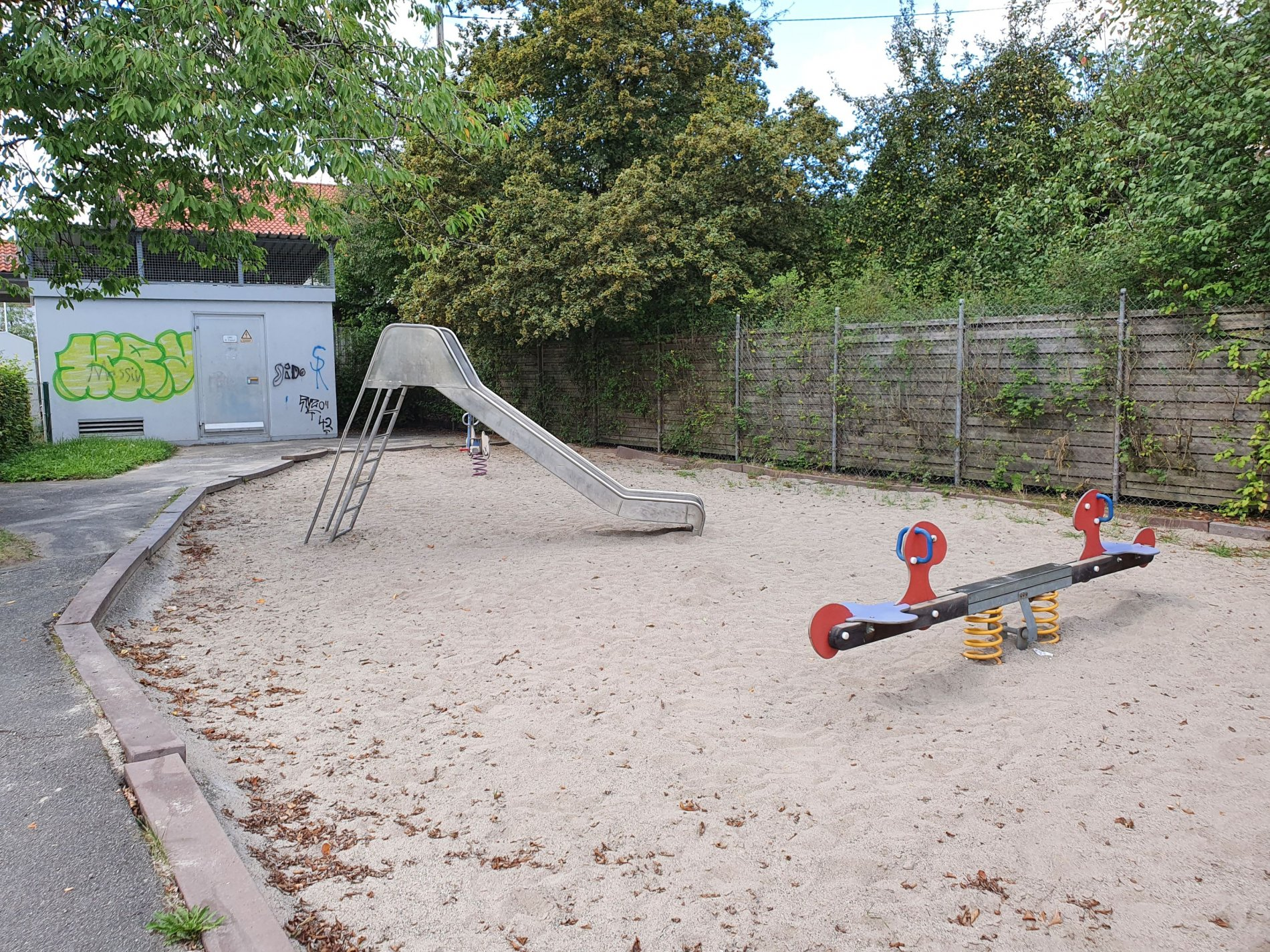 Spielplatz Kantstraße-Viel Platz zum Spielen!