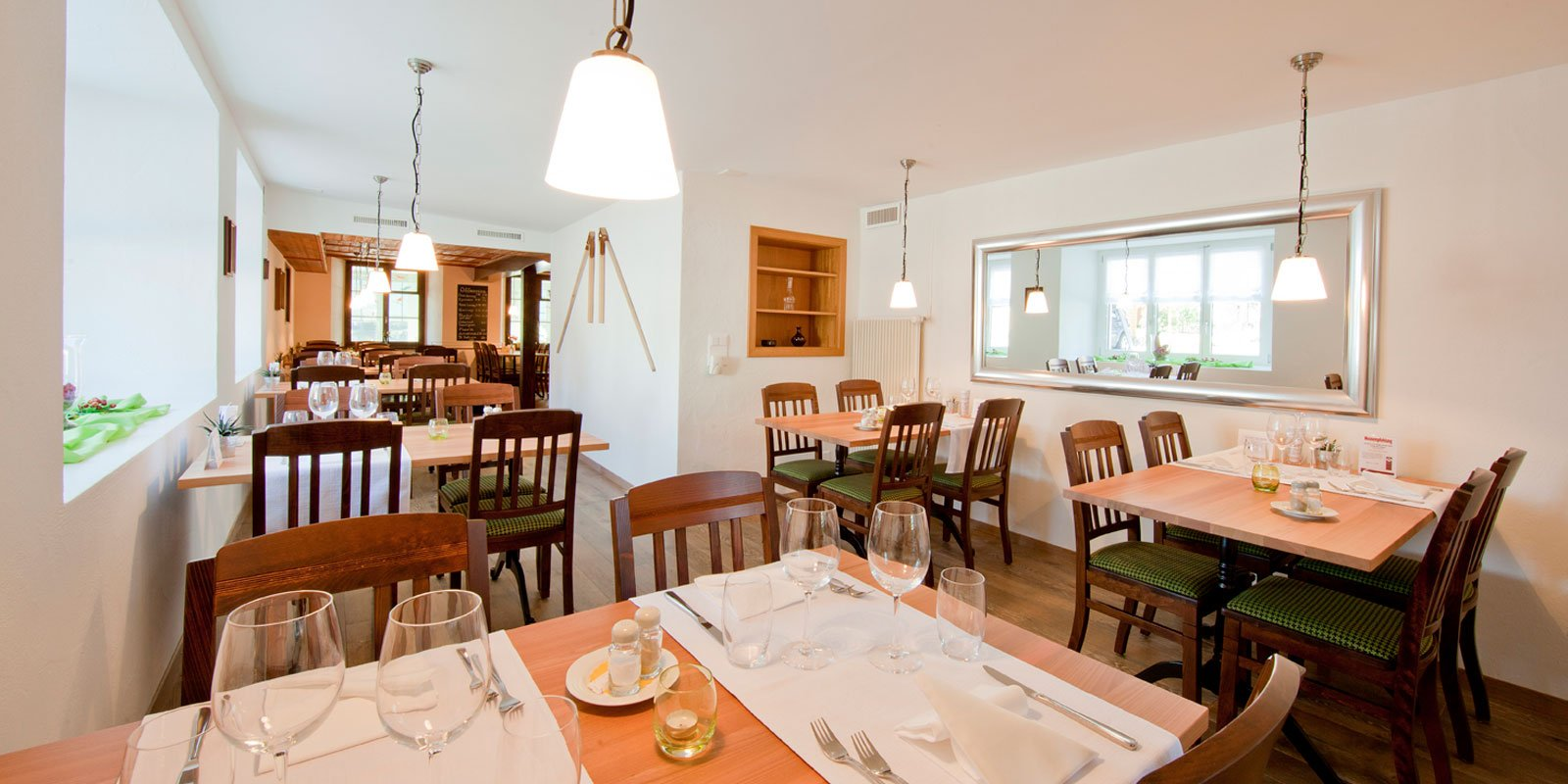 Restaurant Sonne Niederbuchsiten Soleure Vue intérieure Anker Stuebli
