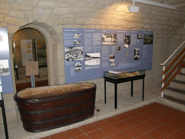 Historische Badewanne im Städtischen Museum Bad Rappenau