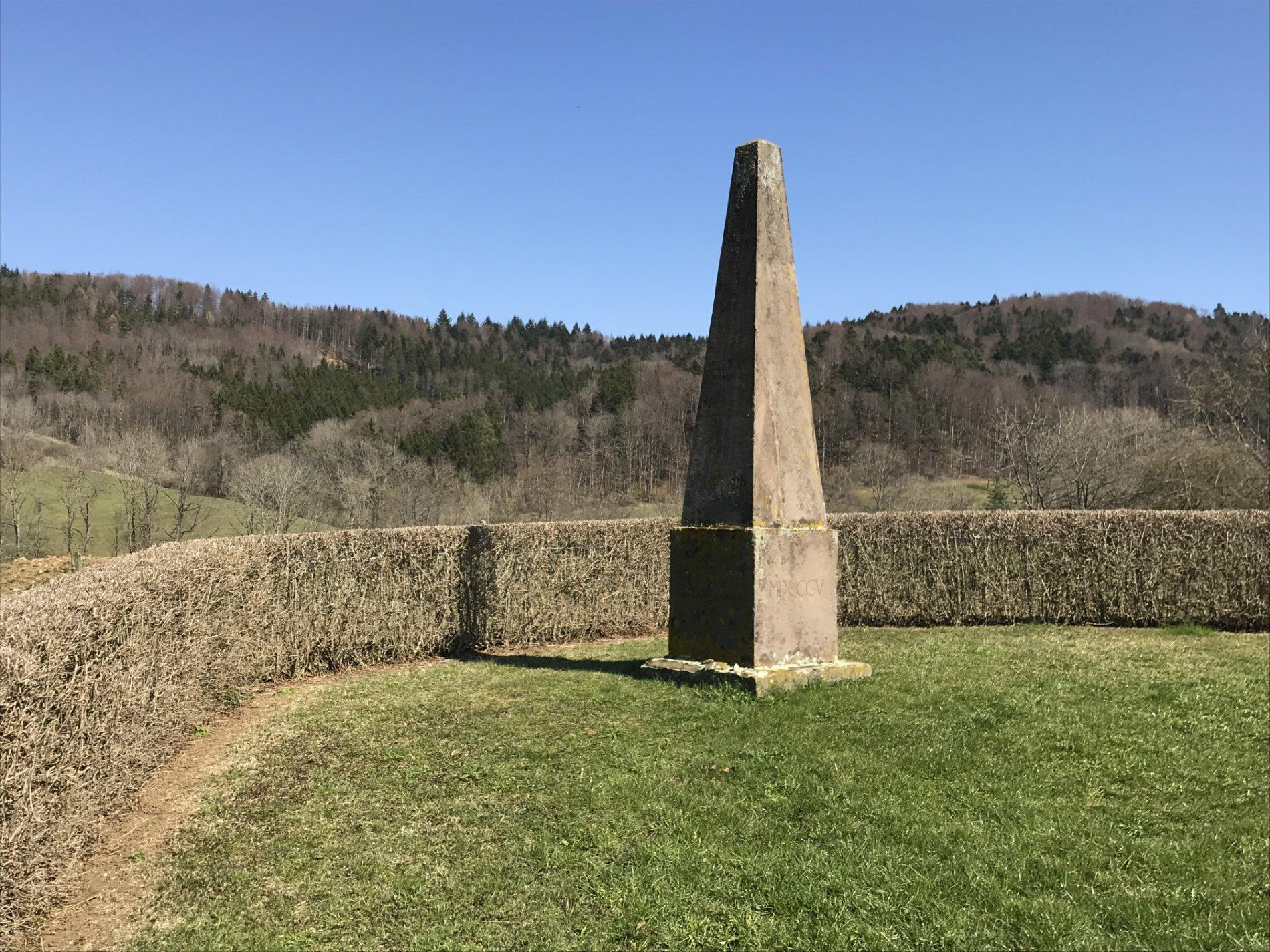 Obelisk im Friedrichstal in Hechingen-Boll