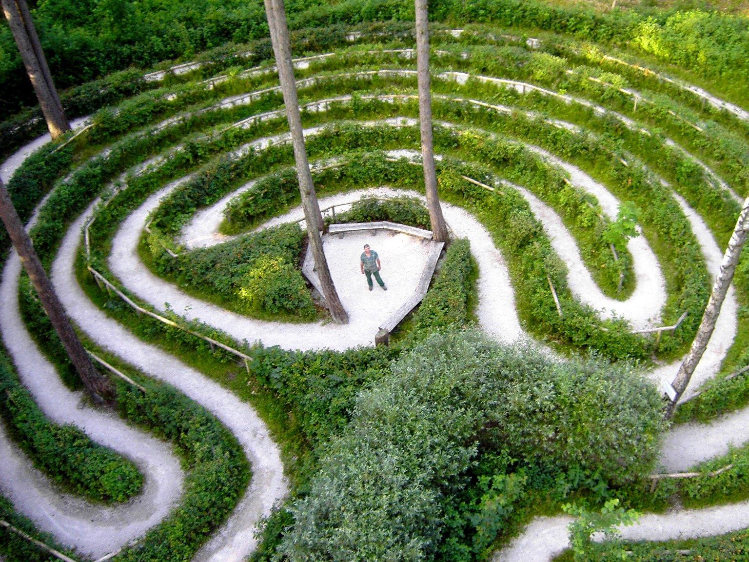 Waldlabyrinth auf dem Walderlebnispfad bei Freising