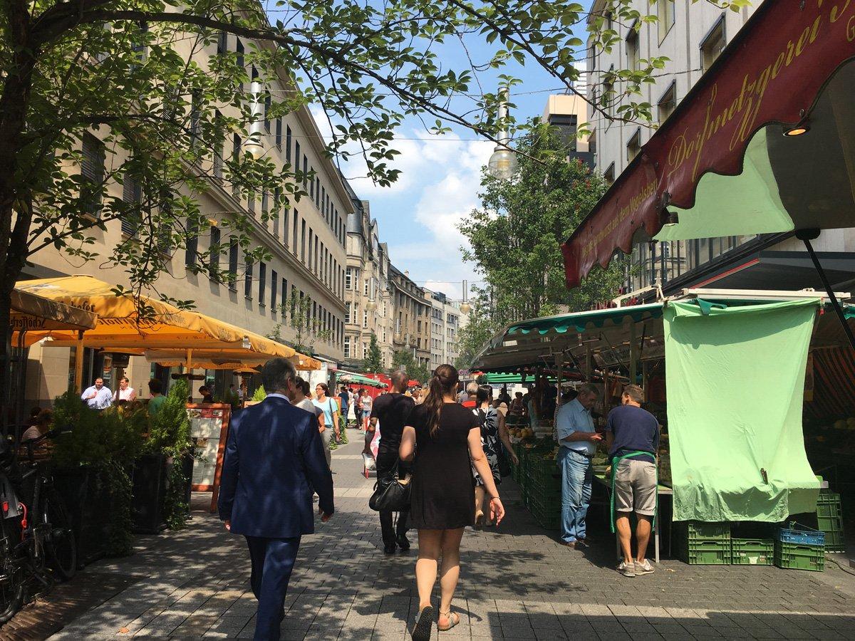 Wochenmarkt Schillerstraße