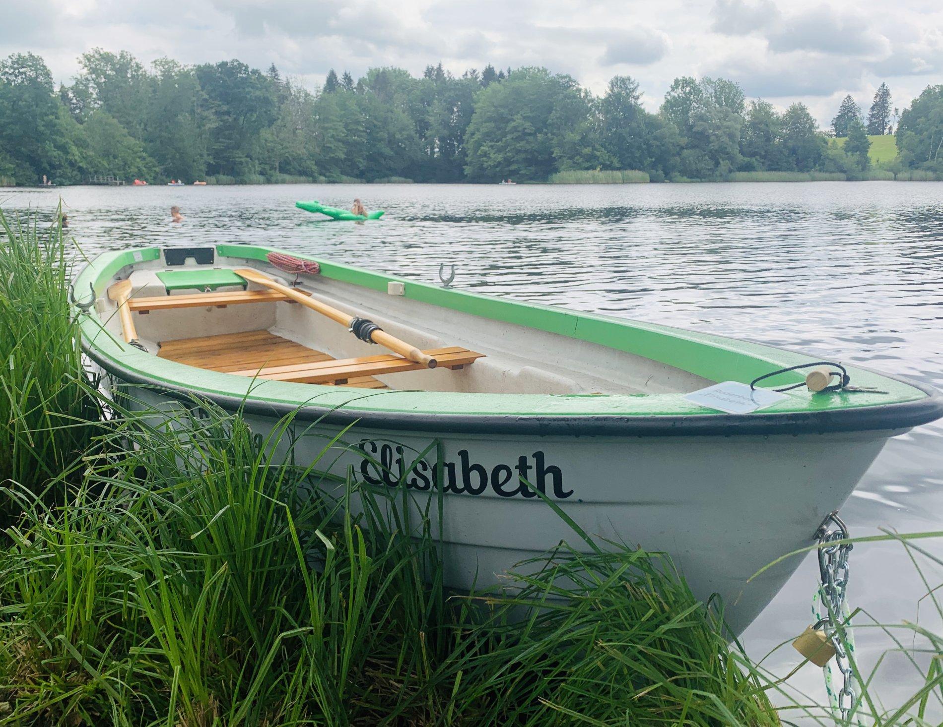 Boot am Naturweiher Herlazhofen