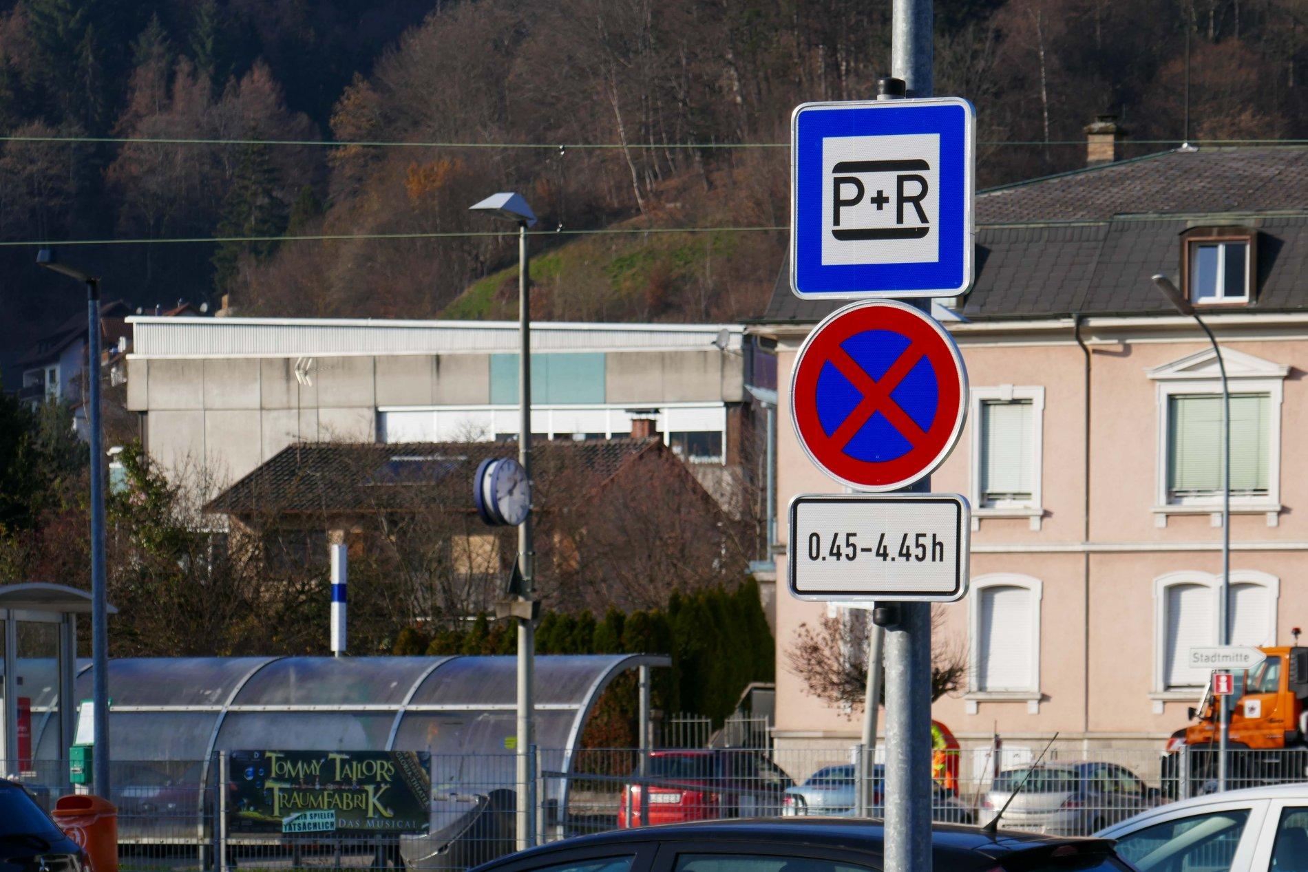 Park- und Ride-Parkplatz am Bahnhof in Zell im Wiesental