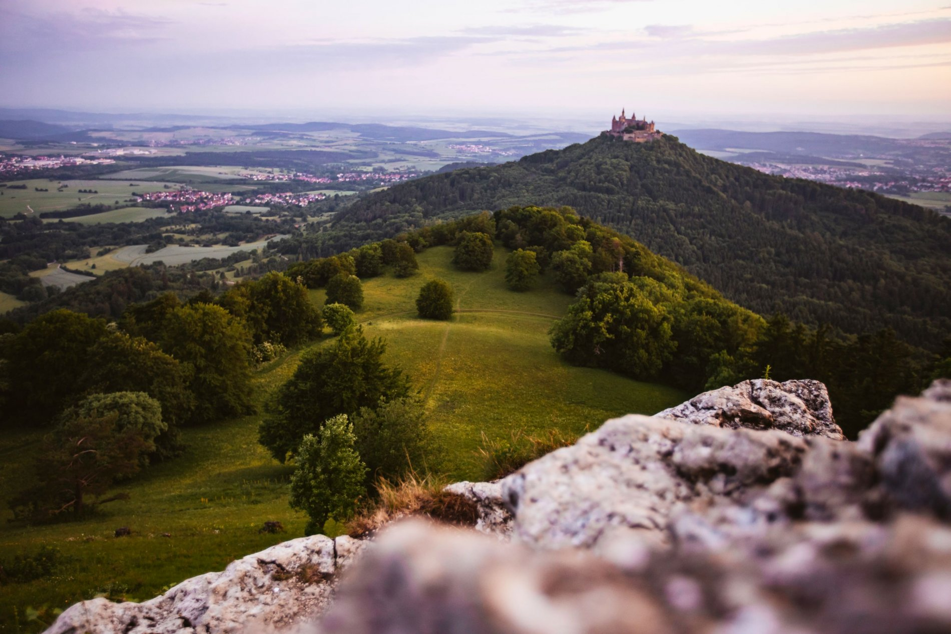 Sagenhafter Blick vom Zeller Horn auf die Burg Hohenzollern