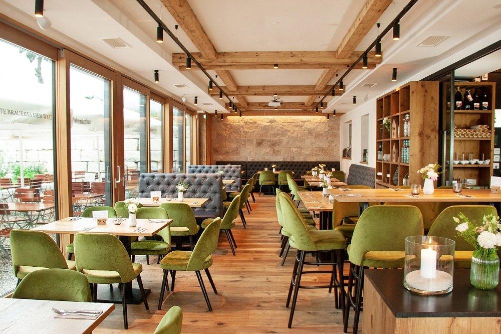 Gastraum im Gasthaus Spitzer in Osterwaal bei Au i. d. Hallertau