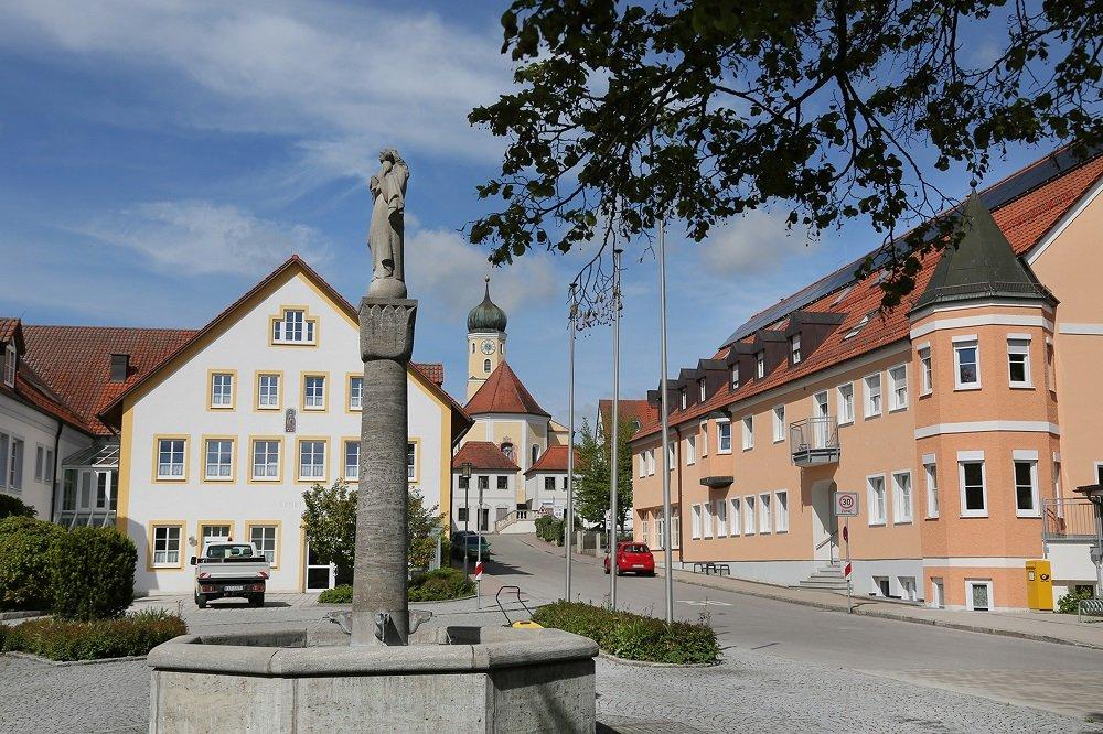 Dorfplatz von Haag a. d. Amper