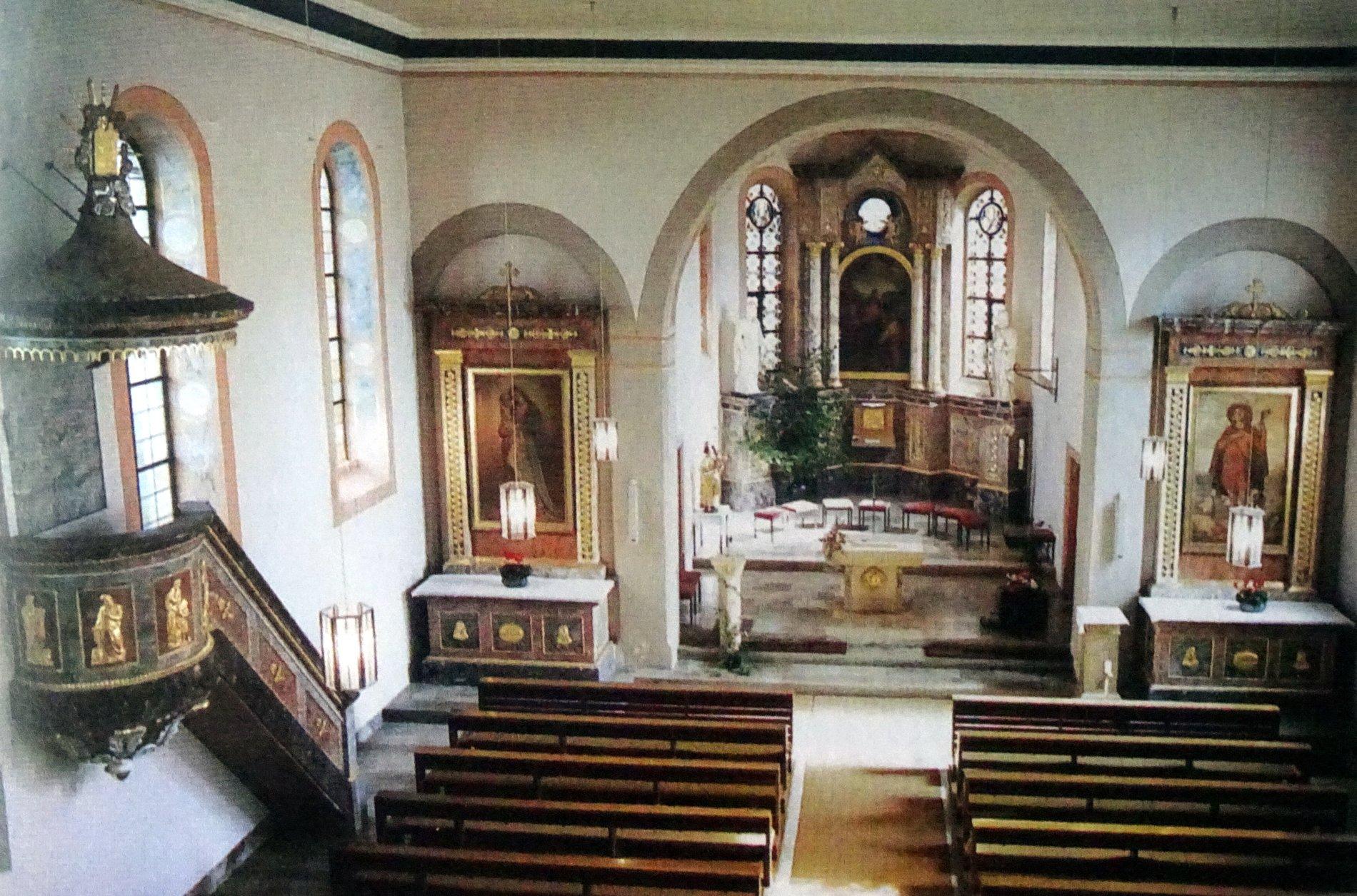 Zu Sehen ist die Kirche St. Peter und Paul von innen