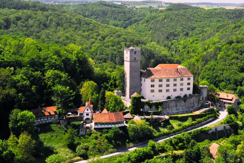 Blick auf die Burg Guttenberg