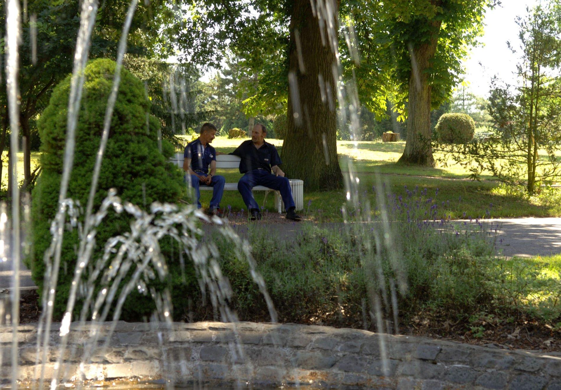 Park mit Springbrunnen