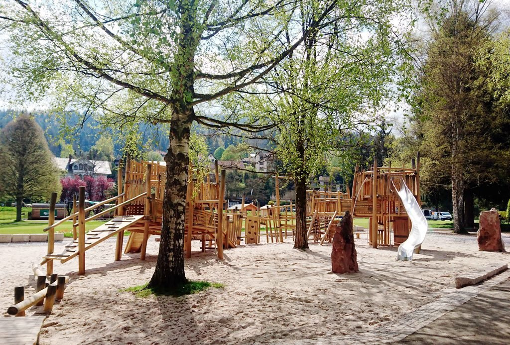 Der neu gestaltete Falkenstein-Spielplatz auf der Schweizer Wiese