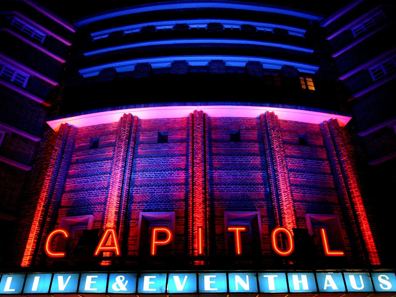 Mannheim, Veranstaltungsort: Capitol, Außenansicht bei Nacht