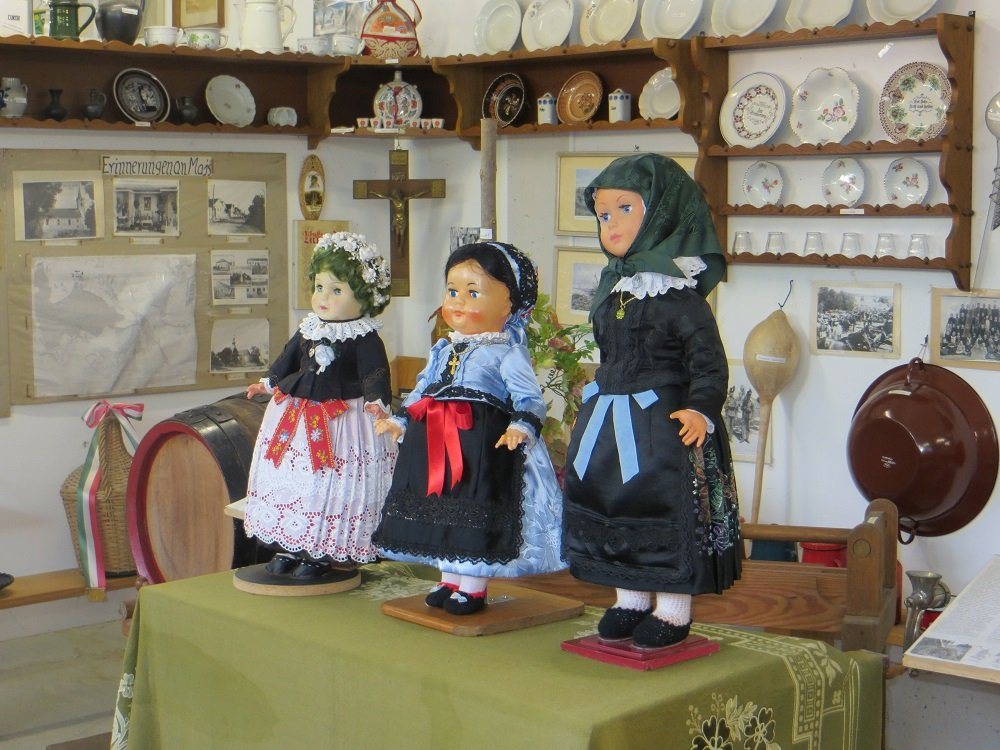 Puppen in der Maischer Heimatecke in Eching