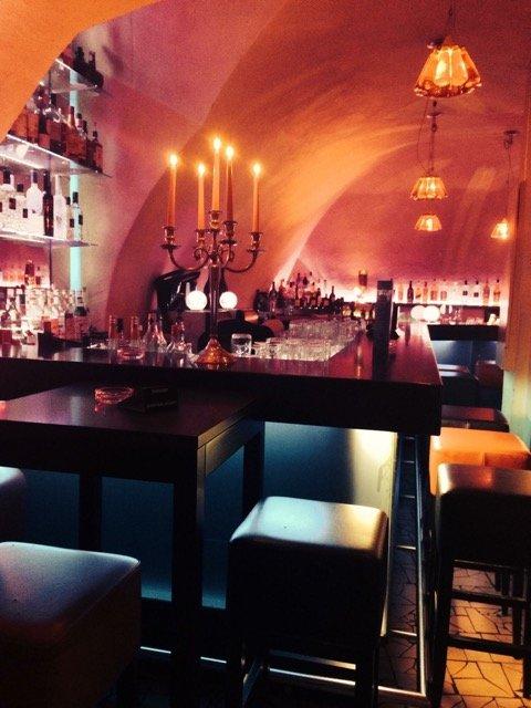 SUN SI BAR cafe lounge bar