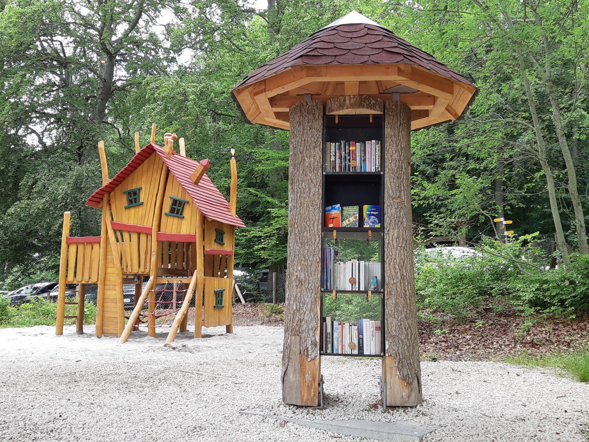 Lese! Bücherbaum Traufgängerle